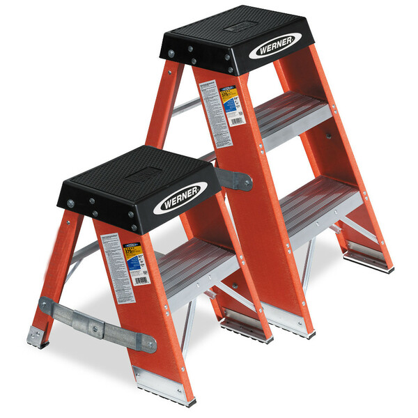 Werner SSF Series Fiberglass Step Stand //  375 lb Rating