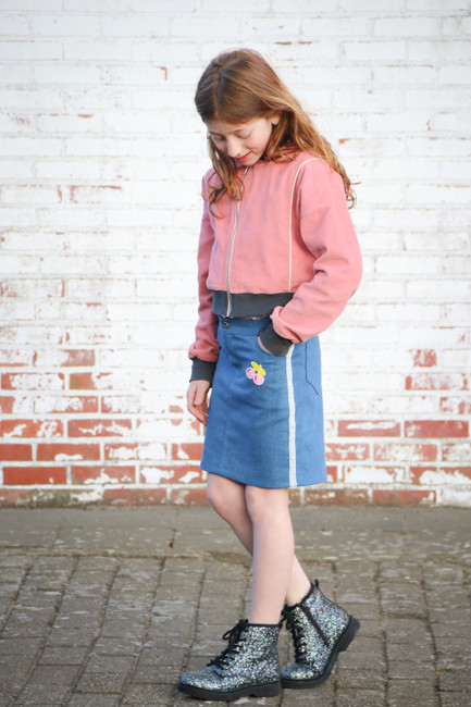Classic jean skirt with applique.