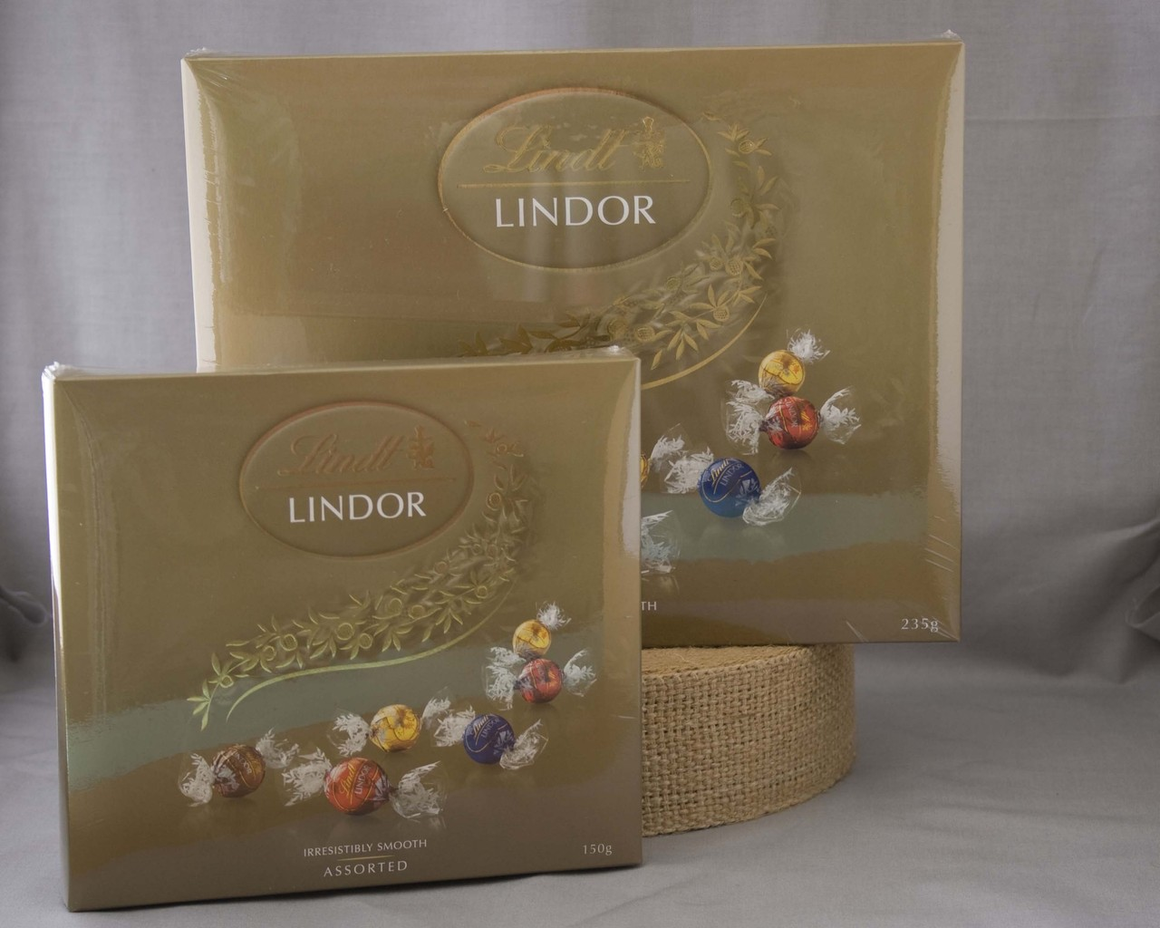 Lindt Lindor - Assorted Chocolates 235g