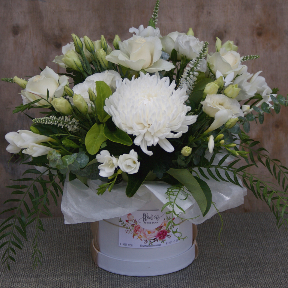 Flower Arrangements White Flowers In A Hat Box Same Day Delivery By Gold Coast S Luxury Florist Flowers At The Door