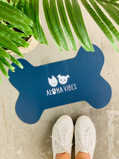 Dog Mat Aloha Vibes Bear and Noodle: Navy