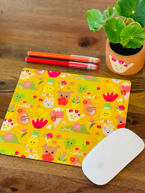 Plastic Mousepad: Aloha Bloomies