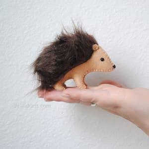 hedgehog-felt-kit.jpg