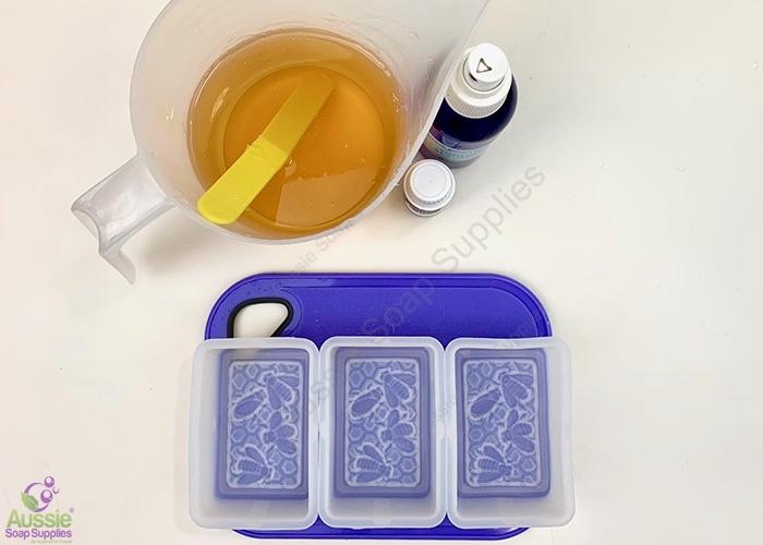 Honey One Melt & Pour Soap Kit Mini Tutorial