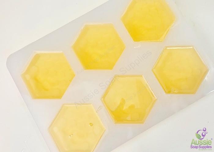 Honey Two Melt & Pour Soap Kit Mini Tutorial