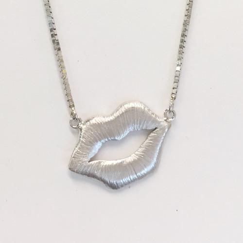 FOREVER KISS Pendant