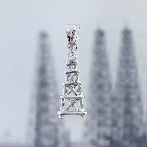 14K WHITE GOLD OIL DERRICK PENDANT WITH WHITE DIAMOND