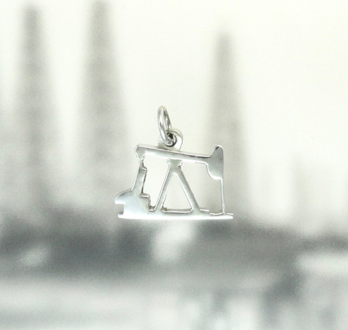 14K WHITE GOLD OIL PUMP JACK PENDANT OR CHARM (SM)