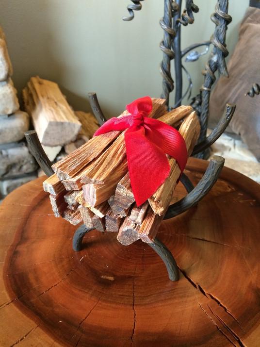 Romancey Evergreen Fatwood with Mini Log Basket
