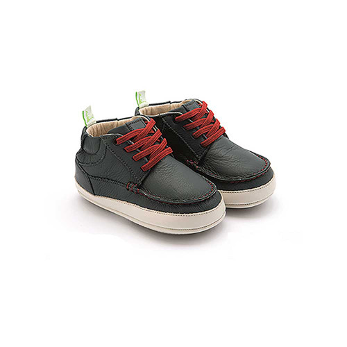 Designed for pre and first walkers these super soft all leather shoes have a flexible non-slip rubber sole.