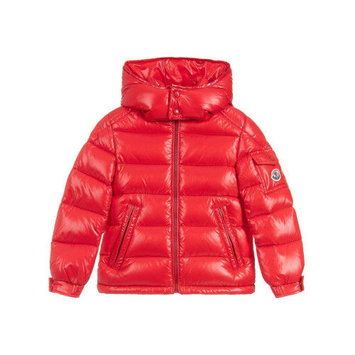 Moncler debuts the New Maya with the same attention to detail given to its adult collection, guaranteeing total comfort and freedom of movement.