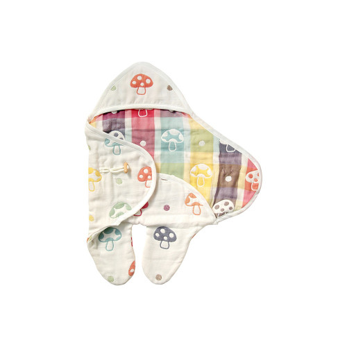 A convenient item that can be used as a sleepbag or swaddle, as newborn babies can wrap their hands and legs inside.
