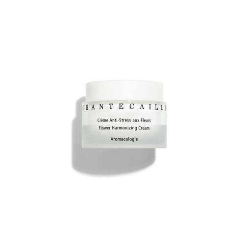 This wonderfully complete moisturizing cream helps prevent loss of moisture, cocooning skin against everyday stress.