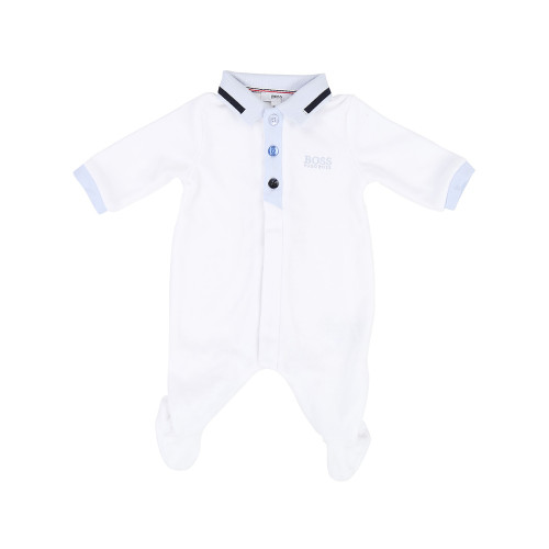 Founded in 1924, the German luxury house's kidswear range offers modern classics and versatile designs with their famous logo, for boys and girls aged 0 to 16 years.