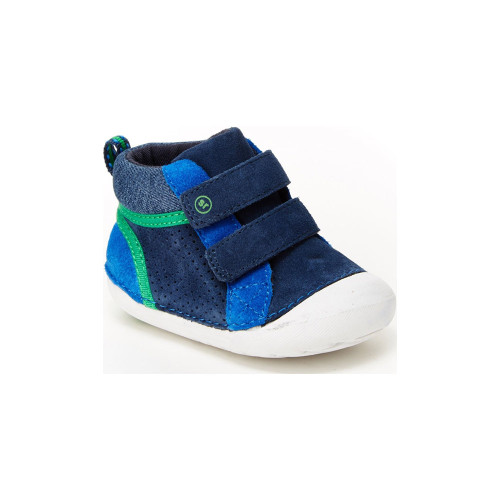 Made for your littlest love and their even littler toes, Milo Soft Motion shoes by Stride Rite are soft, comfortable, and stylish. Premium memory foam insoles add cushion and deep flex grooves move with baby's feet.