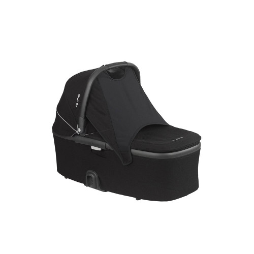 The DEMI™ grow bassinet connects swiftly to the DEMI™ grow stroller, and can easily be doubled up for twin mode.