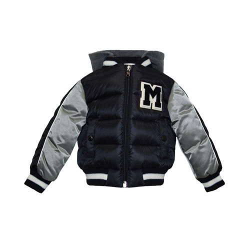 The classic style of Moncler, a high-end  jacket brand from Italy.