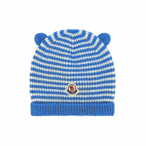 Crafted in Italy, this blue and white virgin wool logo patch beanie from Moncler Kids will provide the little ones with full protection from the cold.