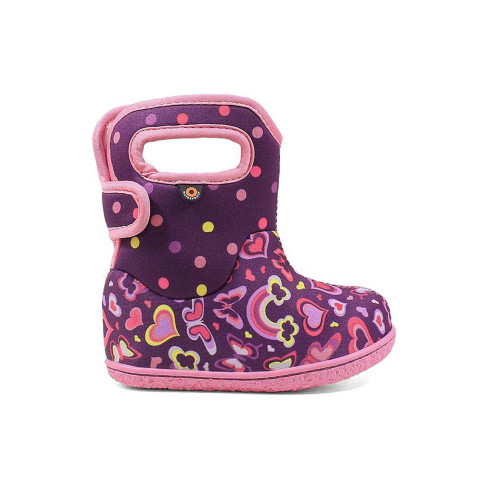BOGS FOR THE YOUNGEST MEMBERS OF THE CREW. WITH A FUN PRINT, THESE BABY BOOTS ARE COMPLETELY WATERPROOF, JUST LIKE THE REST OF THE FAMILY.