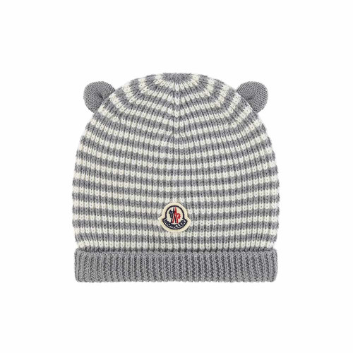 Crafted in Italy, this grey and blue virgin wool logo patch beanie from Moncler Kids will provide the little ones with full protection from the cold. Featuring a pull-on style, a striped pattern, an upturned brim and an ears detail.