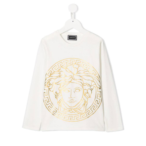 White and gold-tone cotton Medusa print T-shirt from Versace Kids featuring a round neck and long sleeves. Made in Italy.