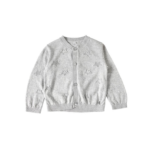 A simple cardigan with a star openwork. This item is useful for adjusting body temperature when going out.