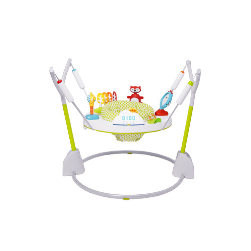 With a light-up cloud bounce counter to track baby's jumps, our jumper rewards baby with lights and music and breaks into applause at 100-jump milestones!