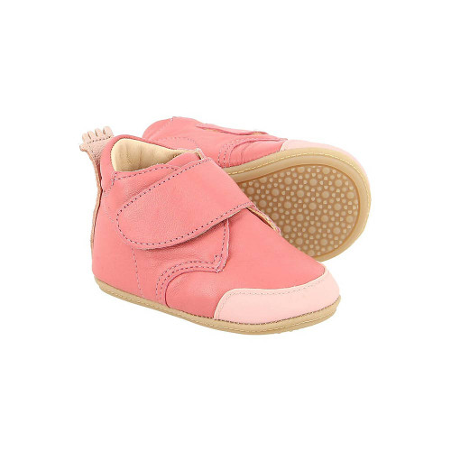 Easy Peasy's sweet Velcro booties in pink are perfect for both newborns and first walkers.