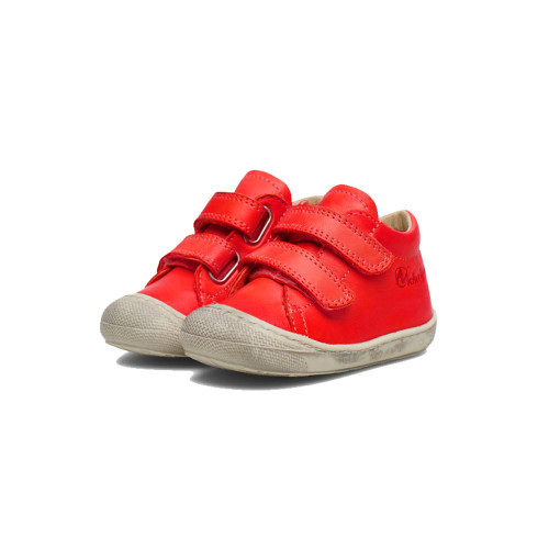 Shoes designed to make your toddlers feel safe and comfortable. Brushed dark red Nappa leather uppers.