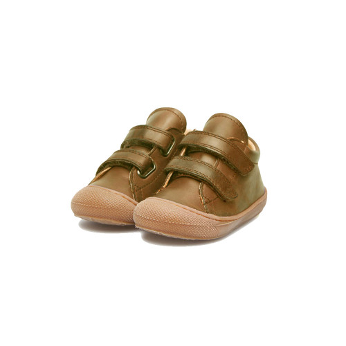 Shoes designed to make your toddlers feel safe and comfortable. Brushed brown Nappa leather uppers.