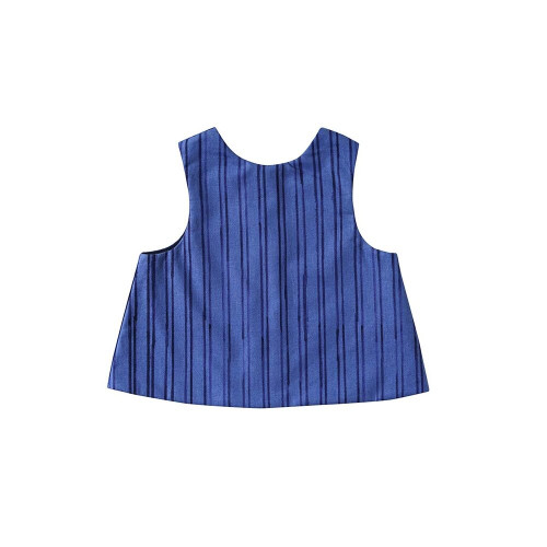 Fashionable up! A 2-way bib that can be a little bit. Front and rear reversible bib and a little 2way specification.