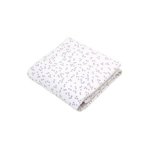 Auggie's 100% cotton crib sheets coordinate perfectly with an array of bedding collections for boys, girls or neutral nurseries. Available in a variety of great colours and patterns, Auggie's mix and match sheets are sure to be a new favourite.