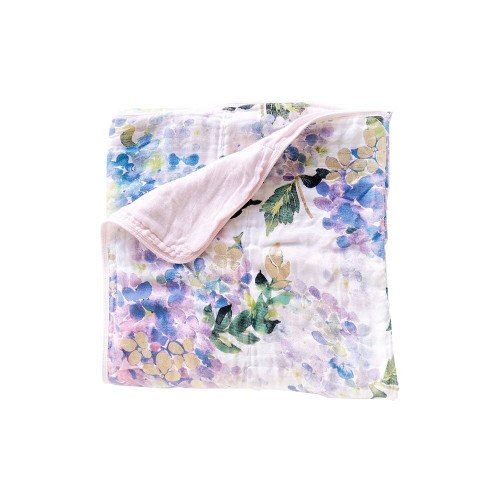 This is possibly the most stunning hydrangea floral blanket you will need! With a hand drawn watercolor floral and gold foil design, this 4-layers of super soft quilted blanket is one of a kind and stylish!  As if it isn't soft enough, it gets softer as each wash.