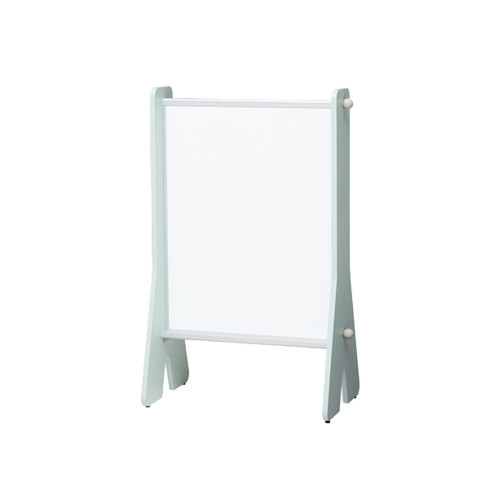 ILOOM WHITE BOARD gives children the space to express their creativity and to doodle freely.