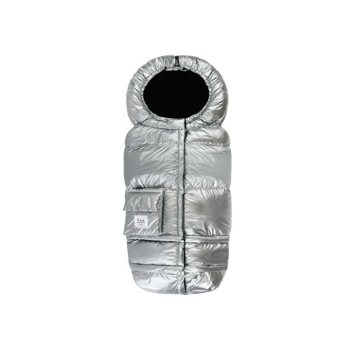 With a water-repellent outer shell, poly insulation, and a super soft plush lining, the Blanket 212 is warm, weatherproof, and durable. Bonus: it easily converts from a wearable garment to a large blanket, and is machine washable and dryable.