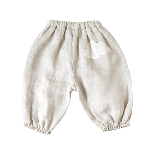 Long length balloon pants made of thin fabric for spring and summer, with the back cloud pocket being the point.