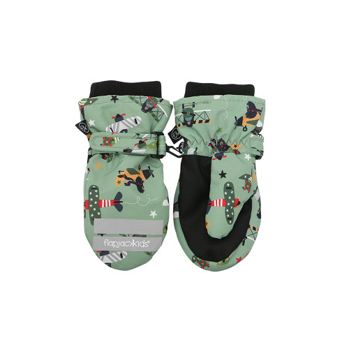 Our beautifully crafted ski mittens will keep little fingers dry and toasty so that your child can enjoy long-lasting play in the outdoors.