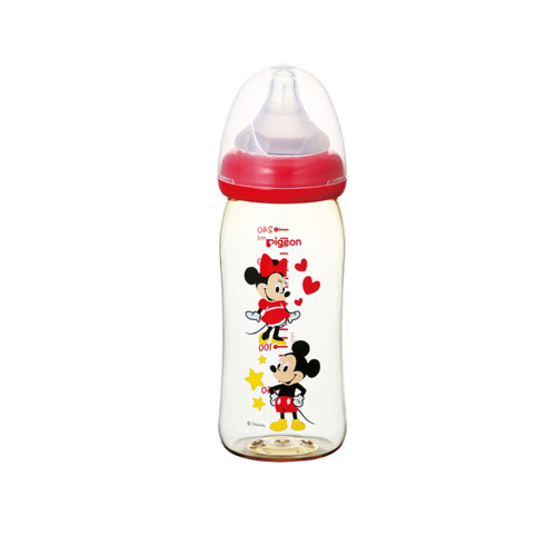 A baby bottle that supports breastfeeding. Made by studying the movement of the mouth where a baby drinks mom's breasts for 60 years, With breast milk feeling nipple.