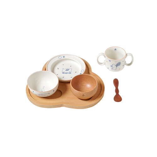 "A tableware set that is perfect for celebrating ""Momoka Celebration"" and ""Beginning of Eating""."