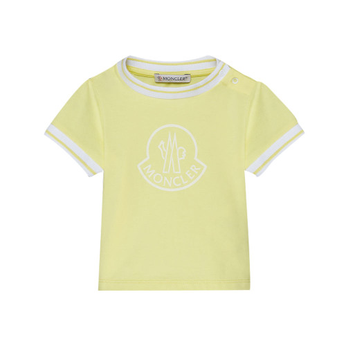 A casual and distinctive t-shirt for baby girls that combines an attention to detail with the precious texture of stretch jersey.