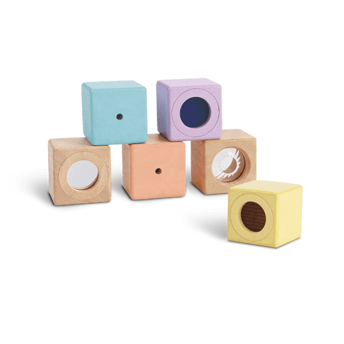 The set of 6 sensory blocks consists of 2 visual blocks, 2 auditory blocks, and 2 texture blocks. This toy stimulates touch, feel and sound and also encourages kinesthetic learning.
