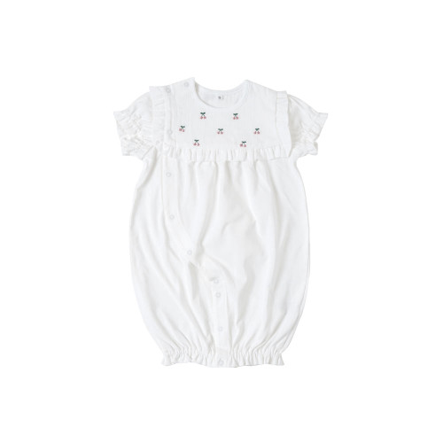 A 2-way dress made of 100% cotton smooth cut-and-sew fabric.