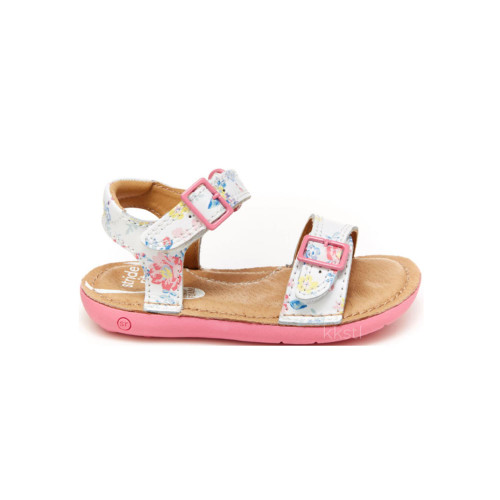Its superior comfort and sensory pod sole make it the perfect companion for her most fabulous forays into walking.