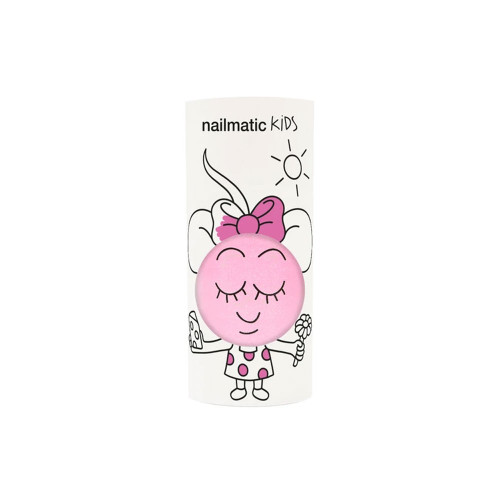 Dolly is a water-based nail polish, especially formulated for children. 100% kids, 100% fun!