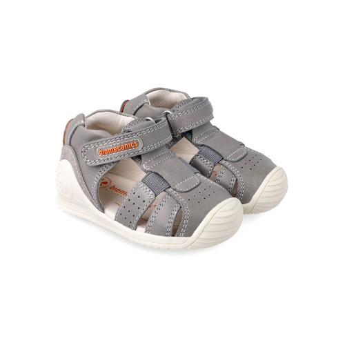 Classic grey shoes from Biomecanics which match all outfits!