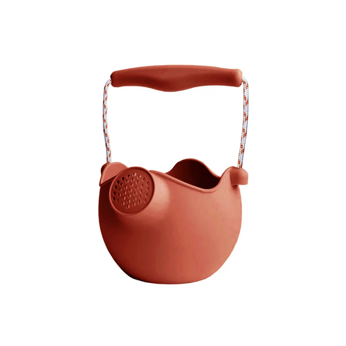 Say goodbye to bulky, hard plastic watering cans that break and take up space, and say hello to the new Scrunch Watering Can