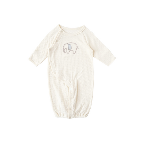 A 2-way dress made of organic cotton that gently wraps your baby.