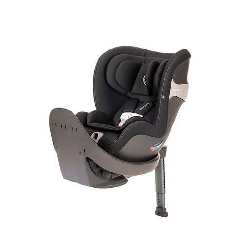 The CYBEX Sirona S is the first Convertible Car Seat in the U.S. to feature an innovative 360° rotatable seat with a load leg, making switching between rear-facing and forward-facing positions quick and easy.