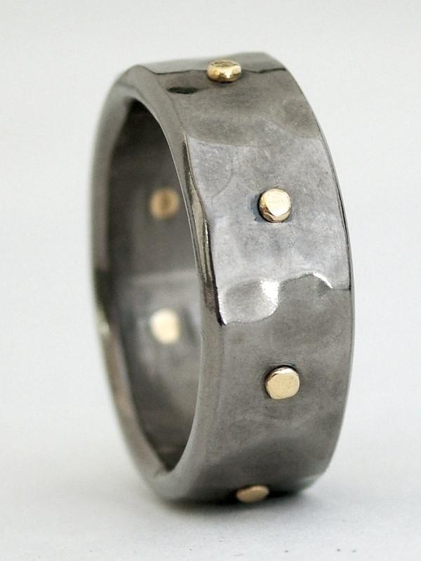 rivet ring