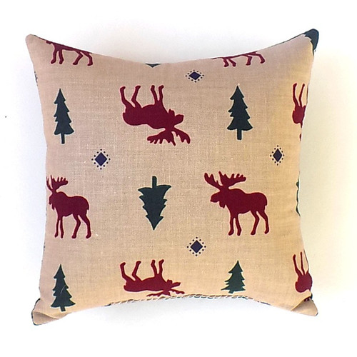 Classic moose and fir tree pattern.